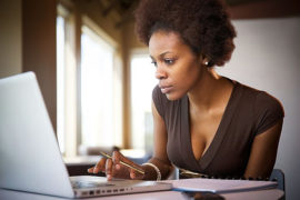 How to balance a 9-5 while growing a side hustle